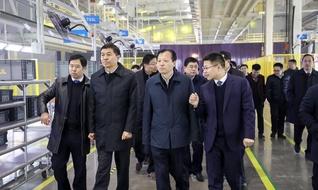 河南德力新能源汽车有限公司成功举行工厂落成暨新车下线仪式